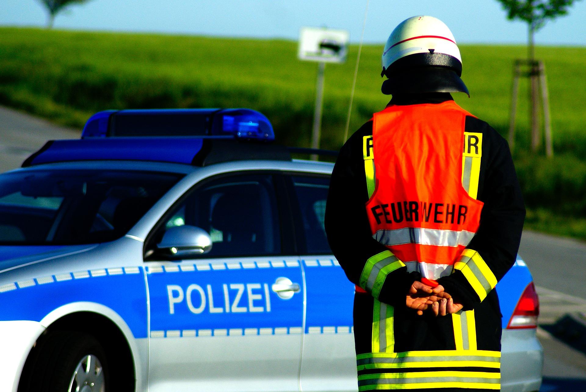 Symbolbild - Feuerwehreinsatz mit Polizei