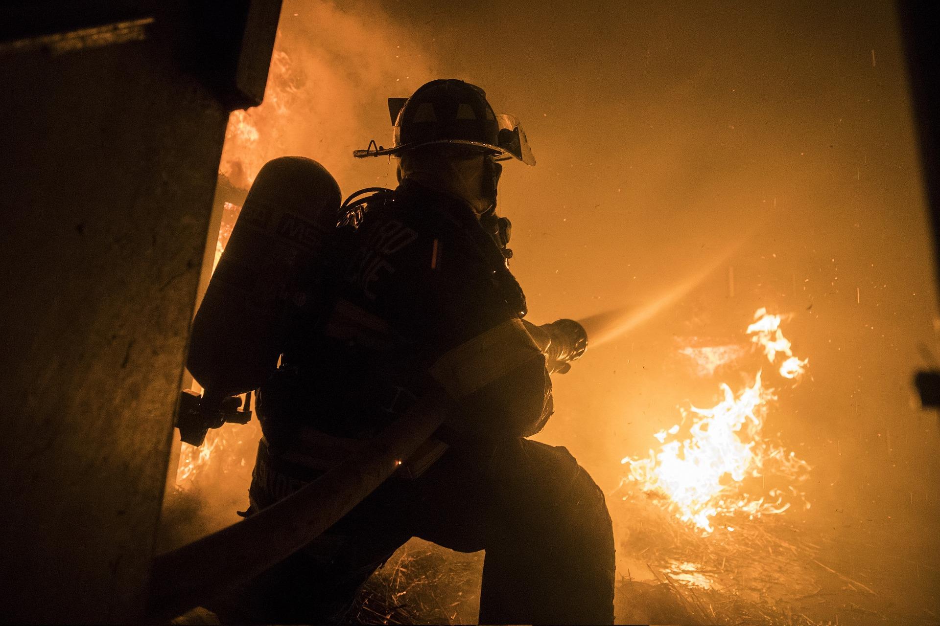 Symbolbild - Gebäudebrand